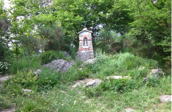 Small votive Chapel on Zuccarello
