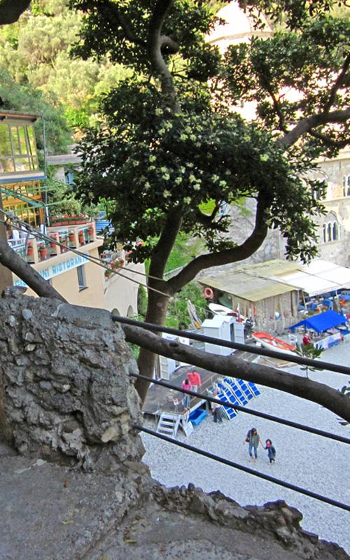 San Fruttuoso di Camogli, inizio sentiero per San Rocco