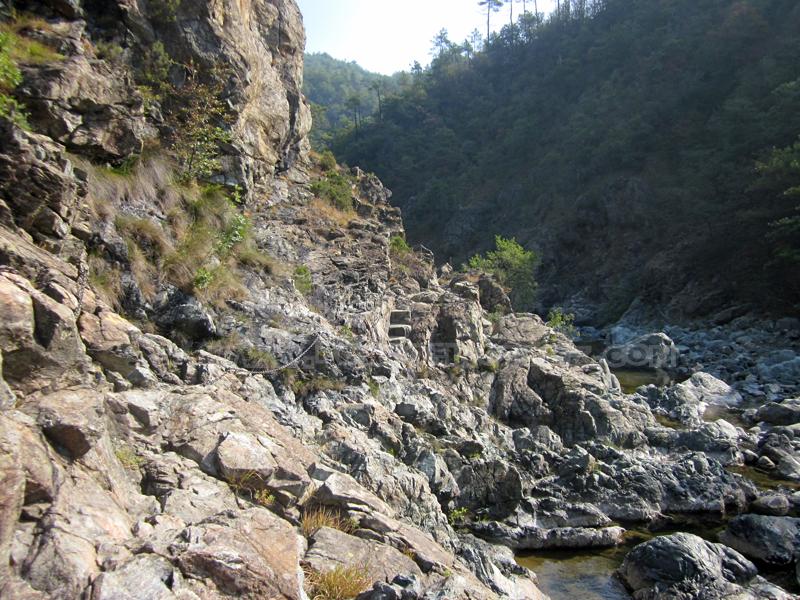 passaggio sulla roccia val gargassa